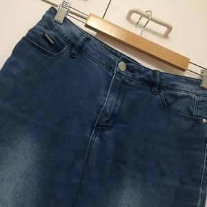 SKINNY STRETCH JEANS size 10 mid blue high rise